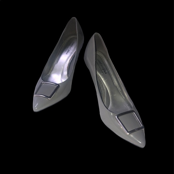 Predictions grey patent leather pumps